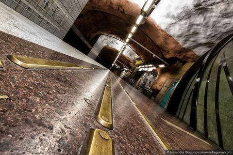 Stockholm Metro 07.jpg